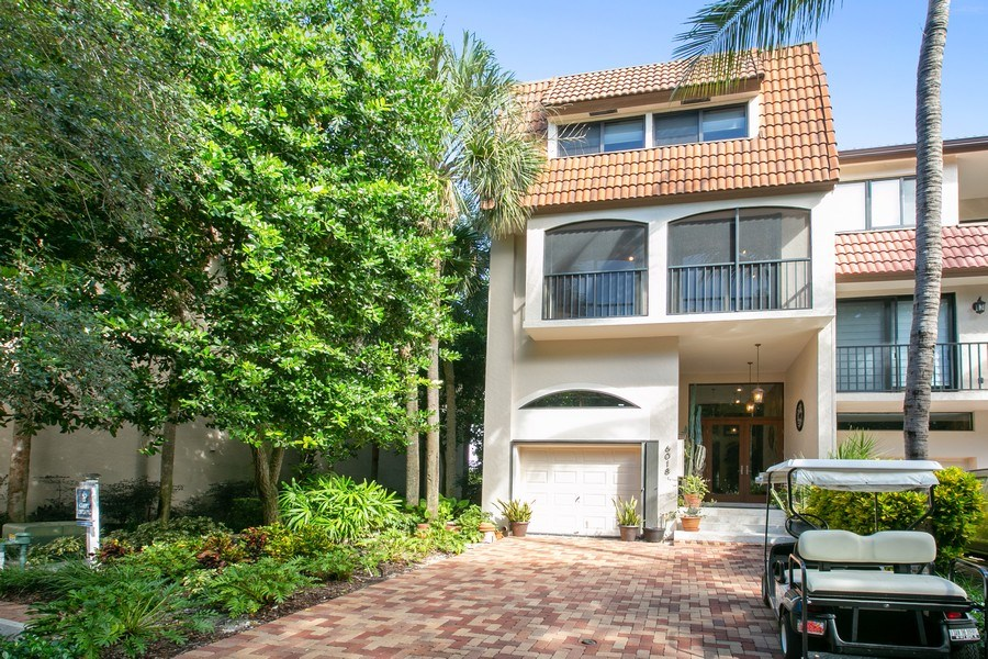 Real Estate Photography - 6018 Paradise Point Drive, Palmetto Bay, FL, 33157 - Front View
