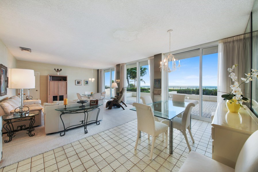 Real Estate Photography - 2800 S. Ocean Blvd., #1H, Boca Raton, FL, 33432 - Great room