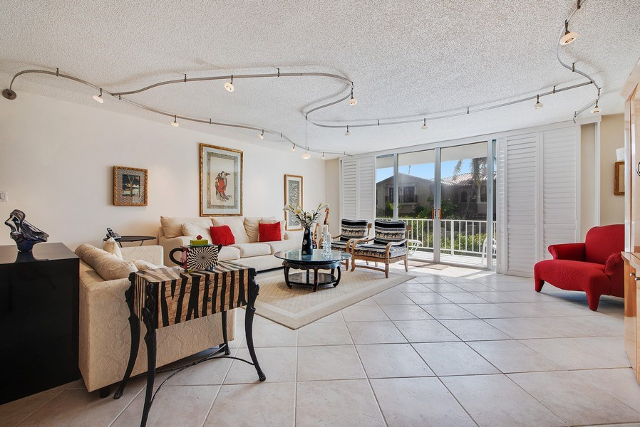 Real Estate Photography - 100 Worth Avenue, #220, Palm Beach, FL, 33480 - Living Room