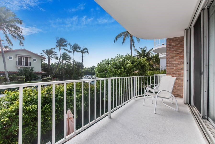 Real Estate Photography - 100 Worth Avenue, #220, Palm Beach, FL, 33480 - Patio