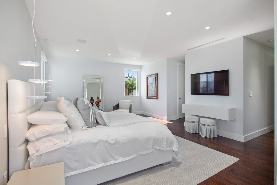 Real Estate Photography - 7445 NW 101st Place, Doral, FL, 33178 - Master Bedroom