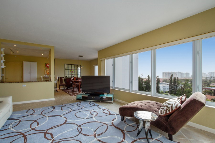 Real Estate Photography - 701 E. Camino Real, #11F, Boca Raton, FL, 33432 - Living Room