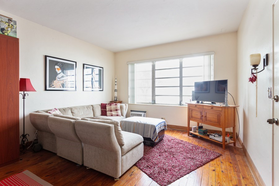 Real Estate Photography - 730 12th Street, #9, Miami Beach, FL, 33139 - Living Room