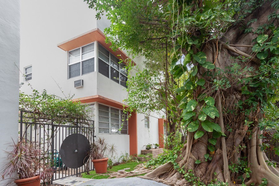 Real Estate Photography - 730 12th Street, #9, Miami Beach, FL, 33139 - Front View