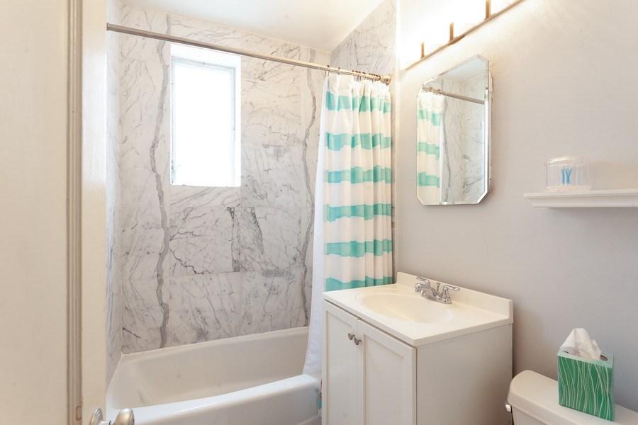 Real Estate Photography - 730 12th Street, #9, Miami Beach, FL, 33139 - Bathroom