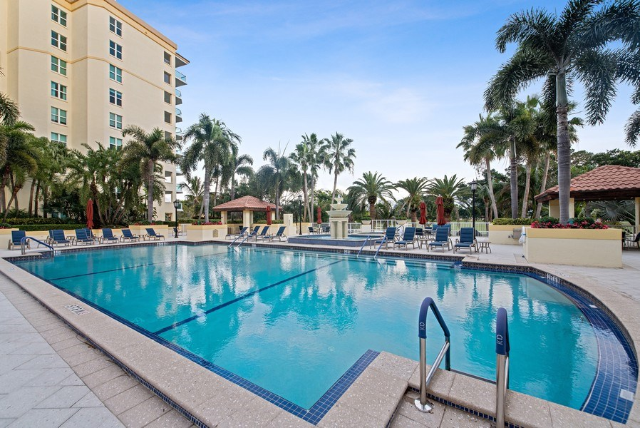 Real Estate Photography - 550 SE Mizner Blvd., #B101, Boca Raton, FL, 33432 - Pool