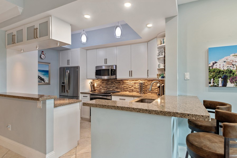 Real Estate Photography - 550 SE Mizner Blvd., #B101, Boca Raton, FL, 33432 - Kitchen