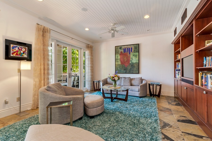 Real Estate Photography - 700 SE 25th Avenue, Fort Lauderdale, FL, 33301 - Family Room