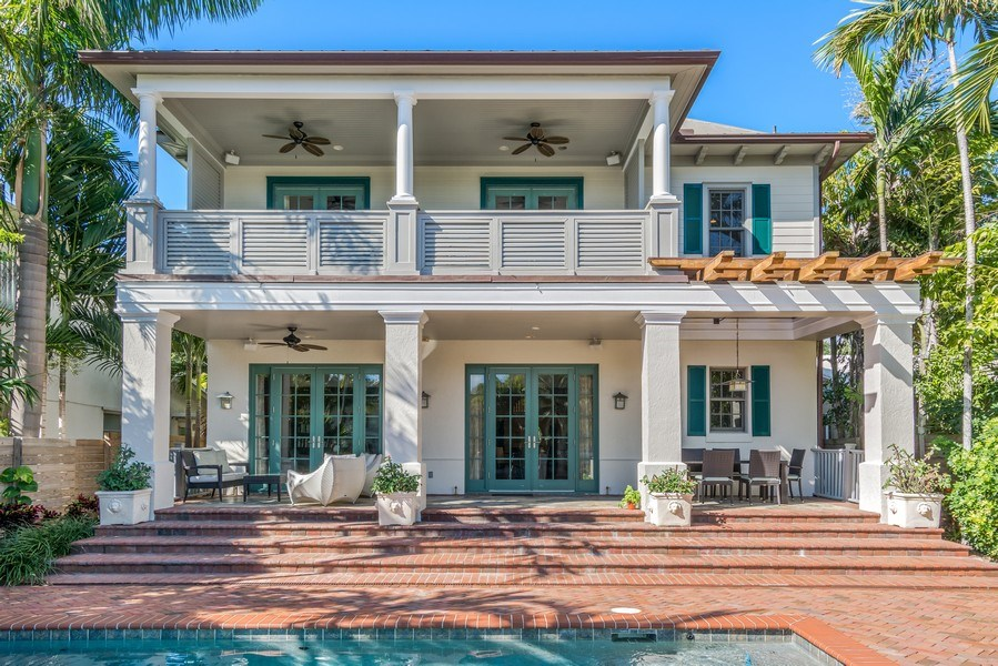 Real Estate Photography - 700 SE 25th Avenue, Fort Lauderdale, FL, 33301 - Rear View