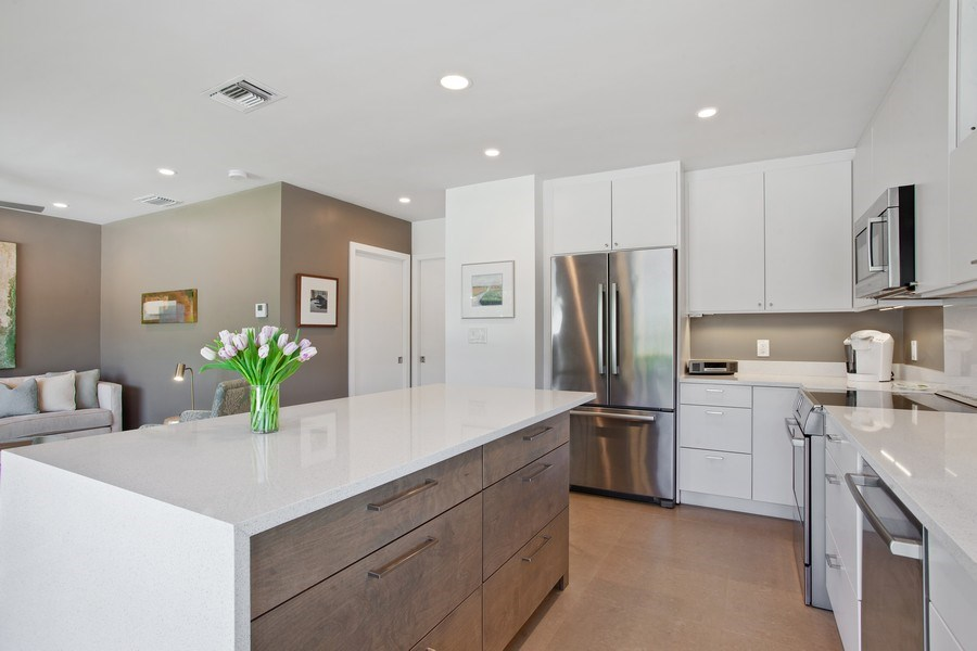 Real Estate Photography - 1124 Seminole Drive, #2A, Fort Lauderdale, FL, 33304 - Kitchen