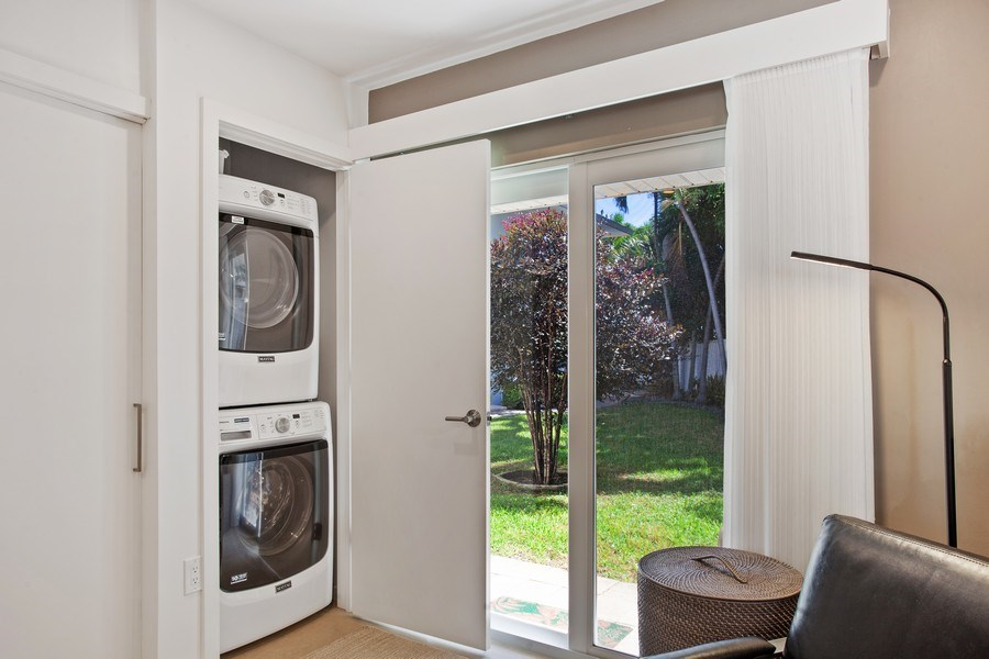 Real Estate Photography - 1124 Seminole Drive, #2A, Fort Lauderdale, FL, 33304 - Laundry Room