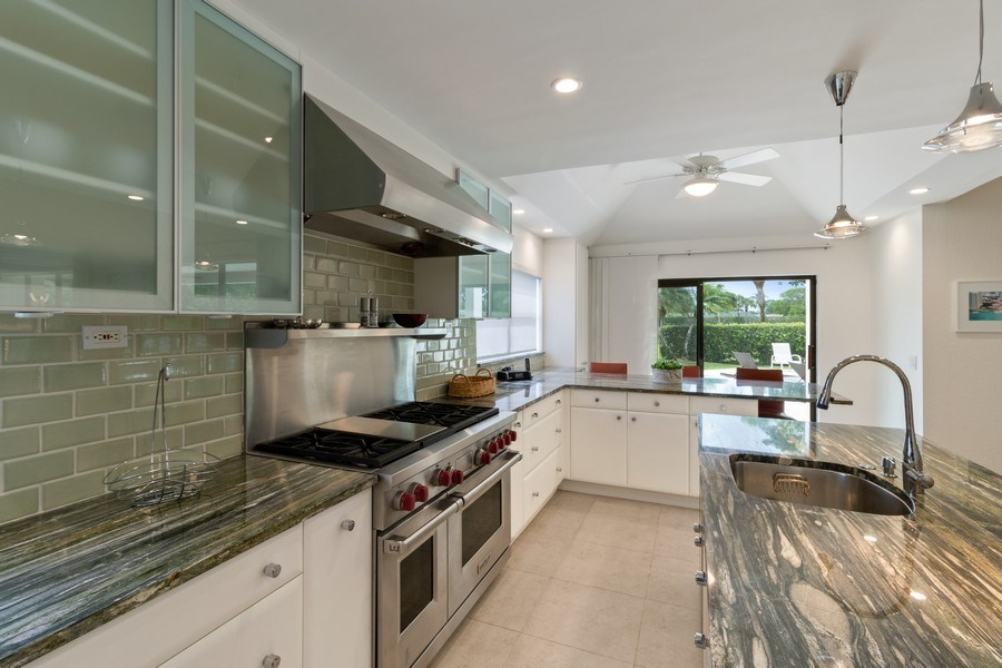Real Estate Photography - 4508 Bocaire Blvd., Boca Raton, FL, 33487 - Kitchen