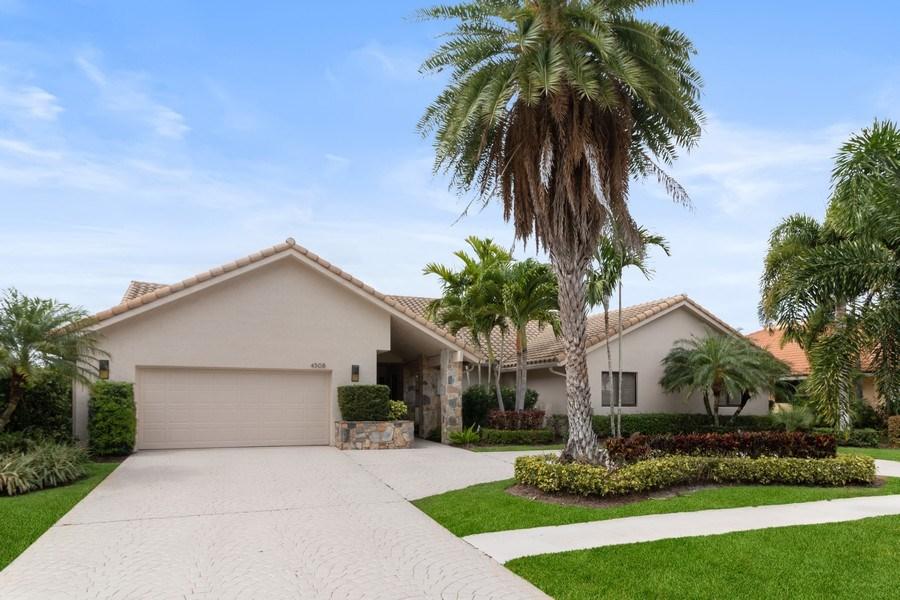 Real Estate Photography - 4508 Bocaire Blvd., Boca Raton, FL, 33487 - Front View