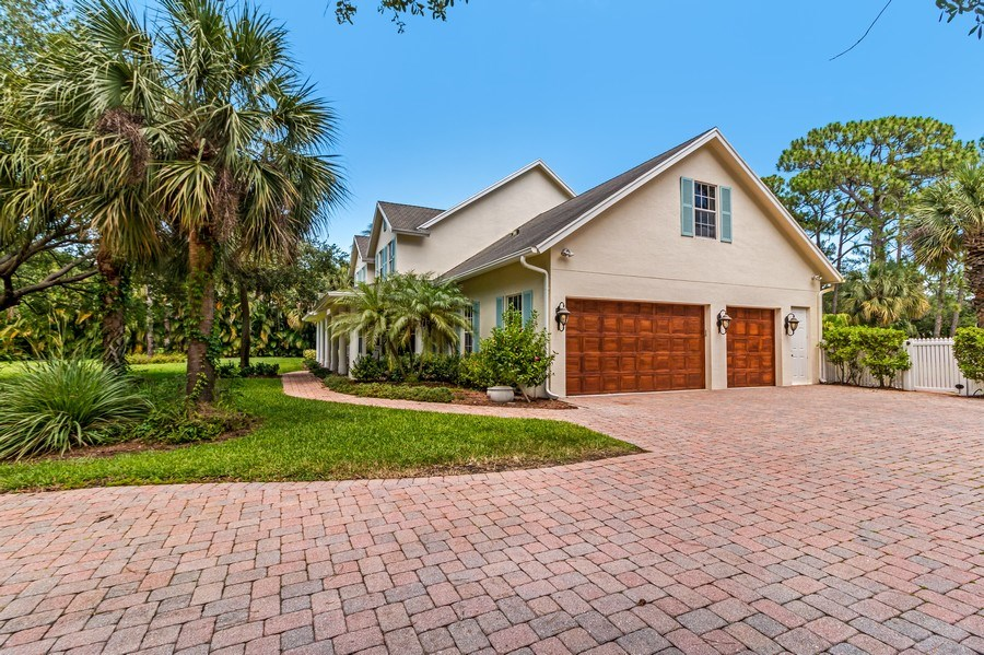 Real Estate Photography - 2425 Greenbriar Drive, Delray Beach, FL, 33445 - Side View