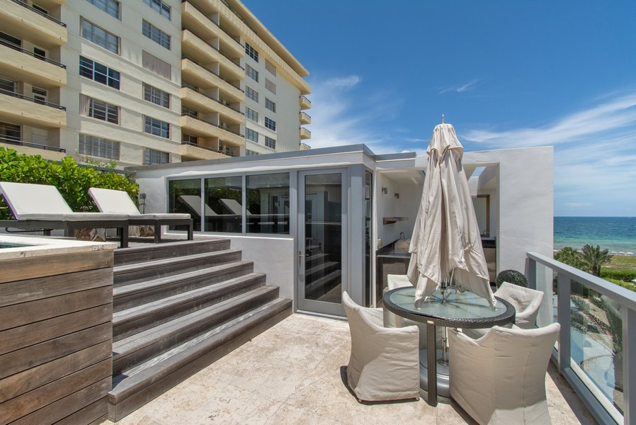 Real Estate Photography - 9501 Collins Avenue, TH-2, Surfside, FL, 33154 -
