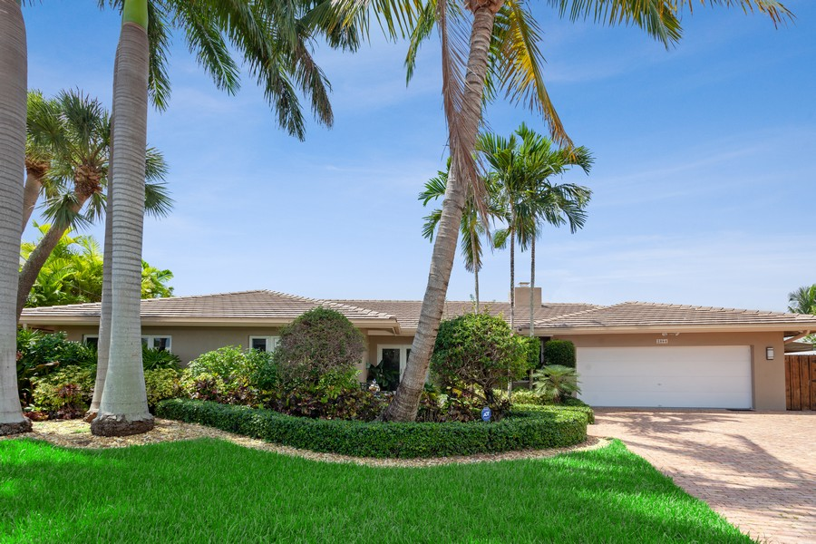 Real Estate Photography - 2864 NE 24th Place, Fort Lauderdale, FL, 33305 - Front View