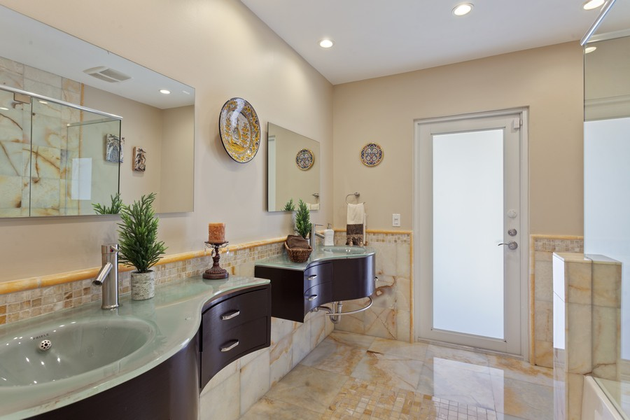 Real Estate Photography - 2864 NE 24th Place, Fort Lauderdale, FL, 33305 - 2nd Bathroom