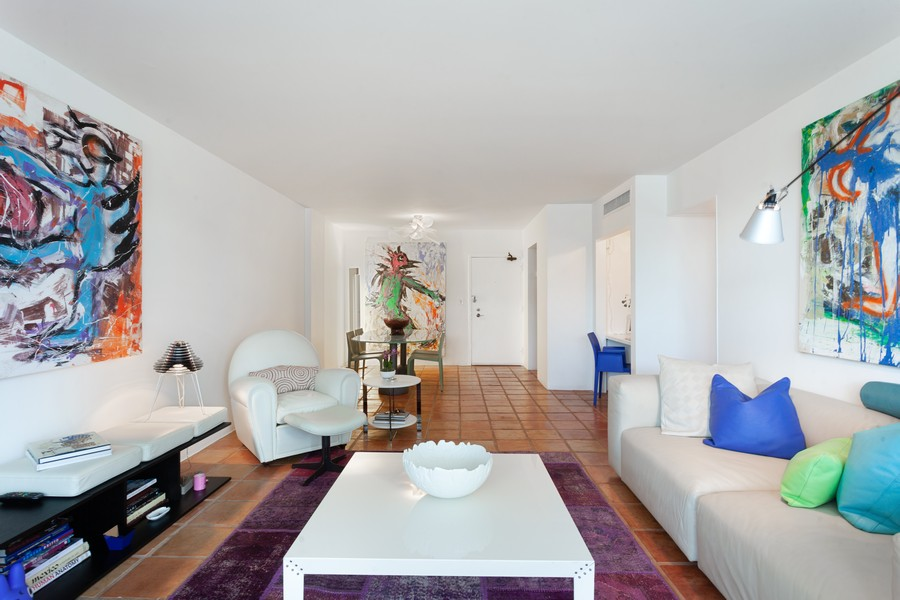 Real Estate Photography - 800 West Avenue, #608, Miami Beach, FL, 33139 - Living Room