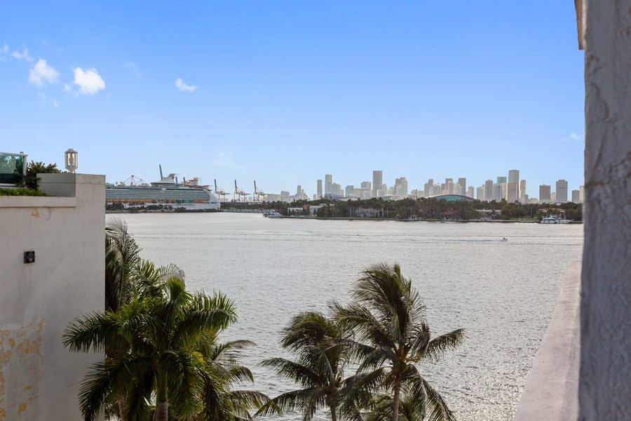 Real Estate Photography - 800 West Avenue, #608, Miami Beach, FL, 33139 - View