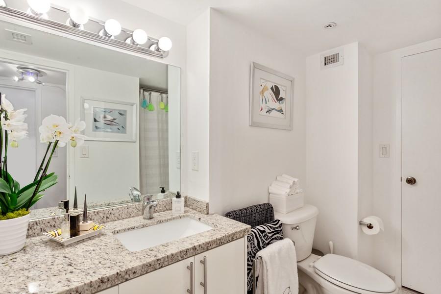 Real Estate Photography - 800 West Avenue, #608, Miami Beach, FL, 33139 - Bathroom