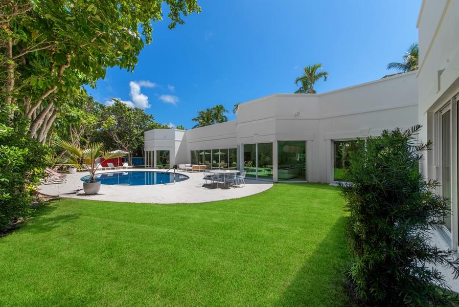 Real Estate Photography - 3 Via Los Incas, Palm Beach, FL, 33480 - Back Yard