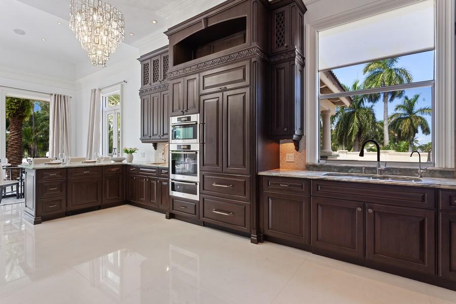 Real Estate Photography - 315 Royal Plaza Drive, Fort Lauderdale, FL, 33301 - Kitchen