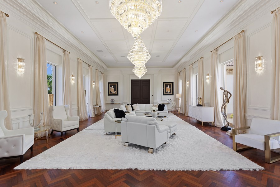 Real Estate Photography - 315 Royal Plaza Drive, Fort Lauderdale, FL, 33301 - Great room