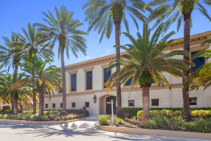 Real Estate Photography - 315 Royal Plaza Drive, Fort Lauderdale, FL, 33301 - Front View