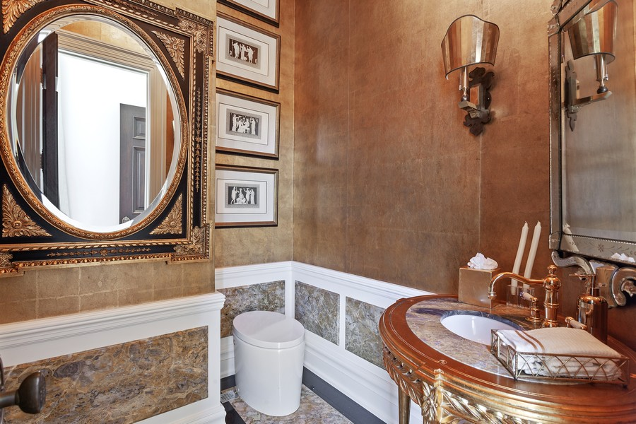 Real Estate Photography - 315 Royal Plaza Drive, Fort Lauderdale, FL, 33301 - 2nd Bathroom