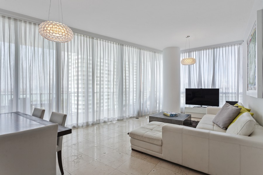 Real Estate Photography - 100 S Pointe Dr, Miami beach, FL, 33139 - Living Room