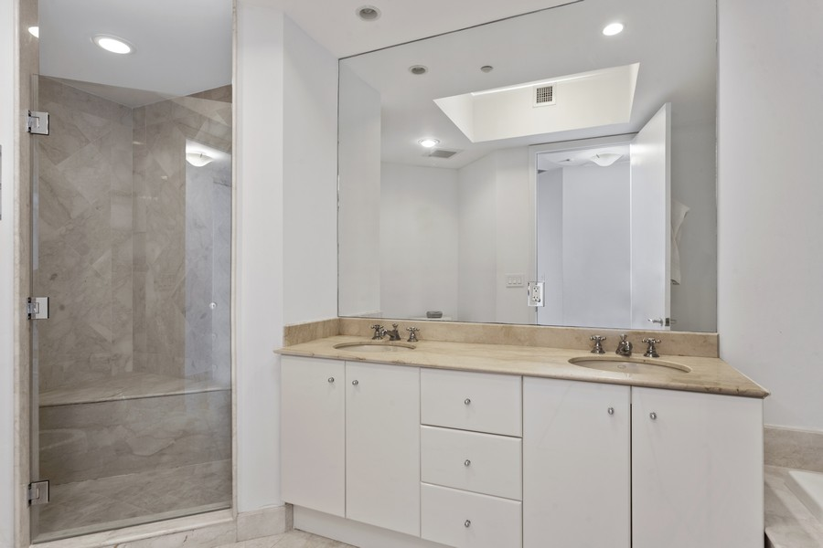 Real Estate Photography - 100 S Pointe Dr, Miami beach, FL, 33139 - Primary Bathroom