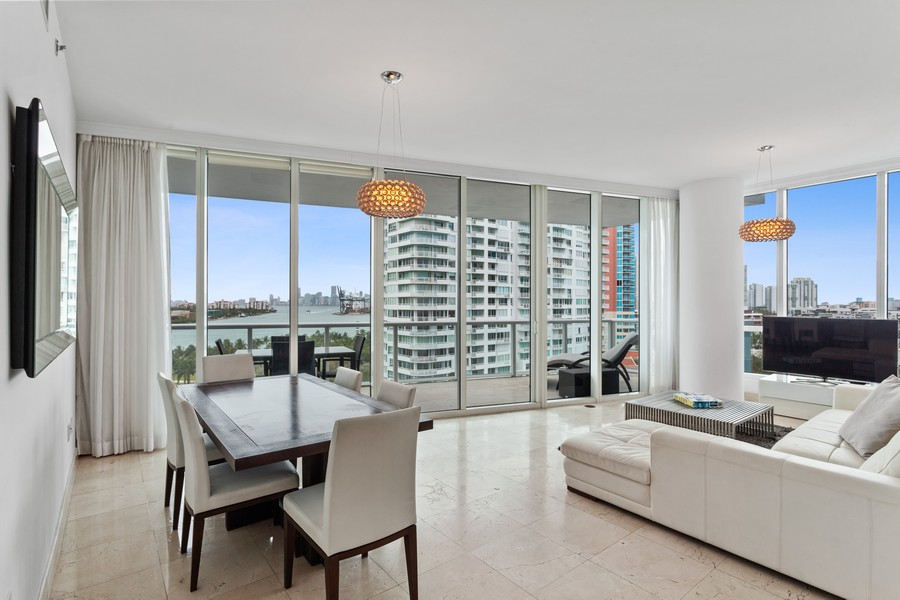 Real Estate Photography - 100 S Pointe Dr, Miami beach, FL, 33139 - Living Room/Dining Room