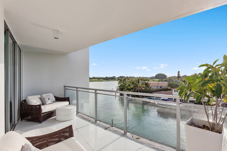 Real Estate Photography - 9400 W. Bay Harbor Drive, #504, Bay Harbor Islands, FL, 33154 -