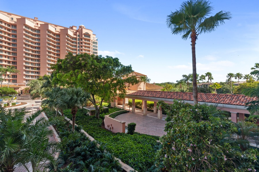 Real Estate Photography - 60 Edgewater Drive #3E, Coral Gables, FL, 33133 - View