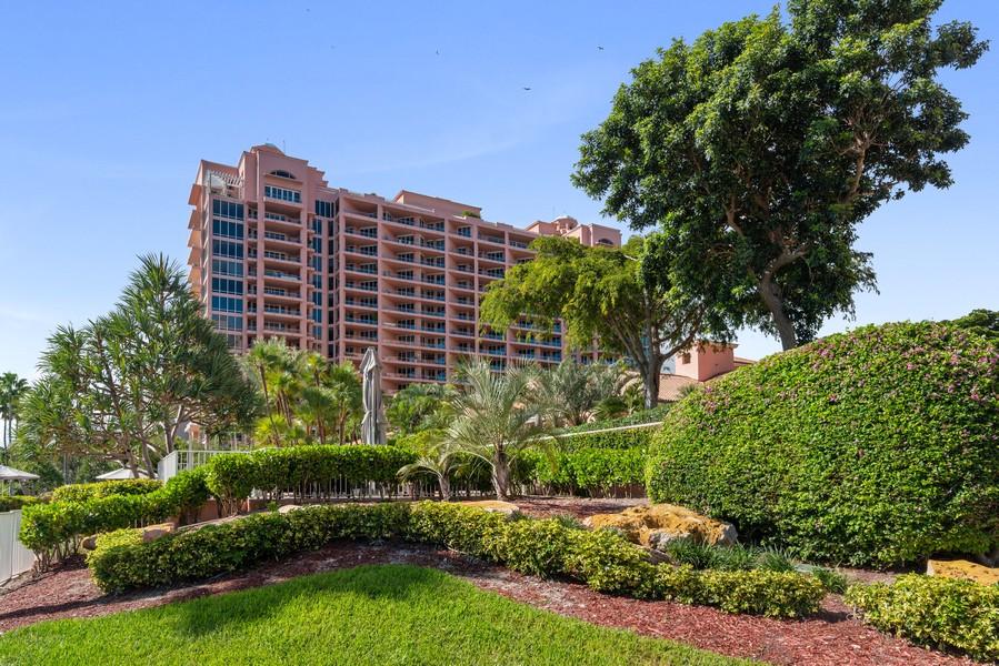 Real Estate Photography - 60 Edgewater Drive #3E, Coral Gables, FL, 33133 - Garden
