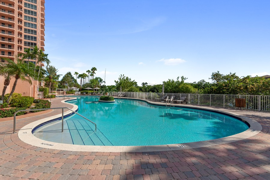 Real Estate Photography - 60 Edgewater Drive #3E, Coral Gables, FL, 33133 - Pool