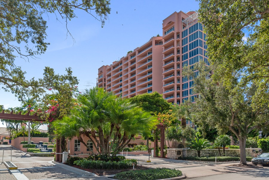 Real Estate Photography - 60 Edgewater Drive #3E, Coral Gables, FL, 33133 - Front View