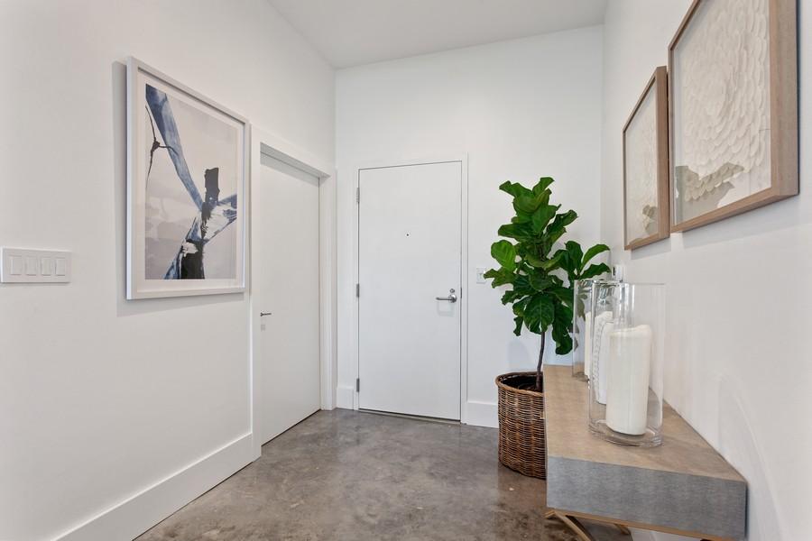 Real Estate Photography - 2001 Meridian Ave, #406, Miami Beach, FL, 33139 - Foyer