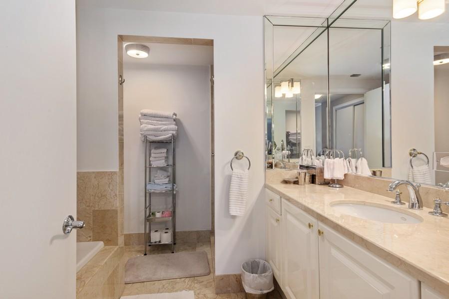 Real Estate Photography - 3400 SW 27th Avenue, #1104, Miami, FL, 33133 - 2nd Bathroom