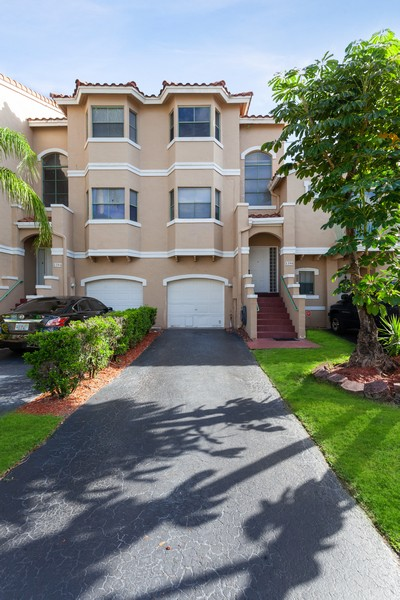 Real Estate Photography - 1390 NW 126th Way, Sunrise, FL, 33323 - Front View