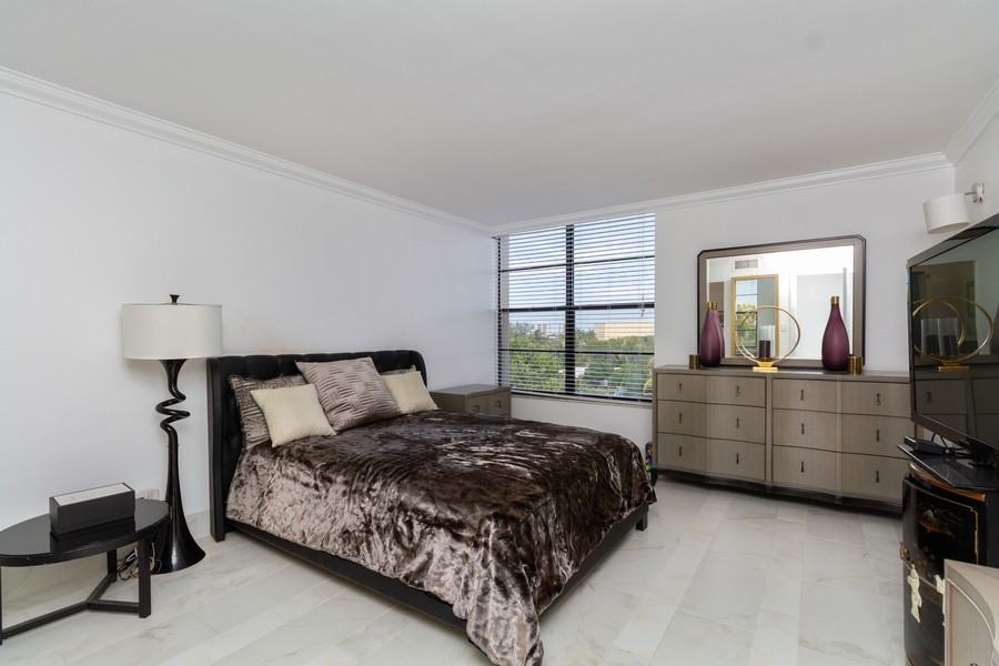 Real Estate Photography - 14 Royal Palm Way #501, Boca Raton, FL, 33432 - Primary Bedroom