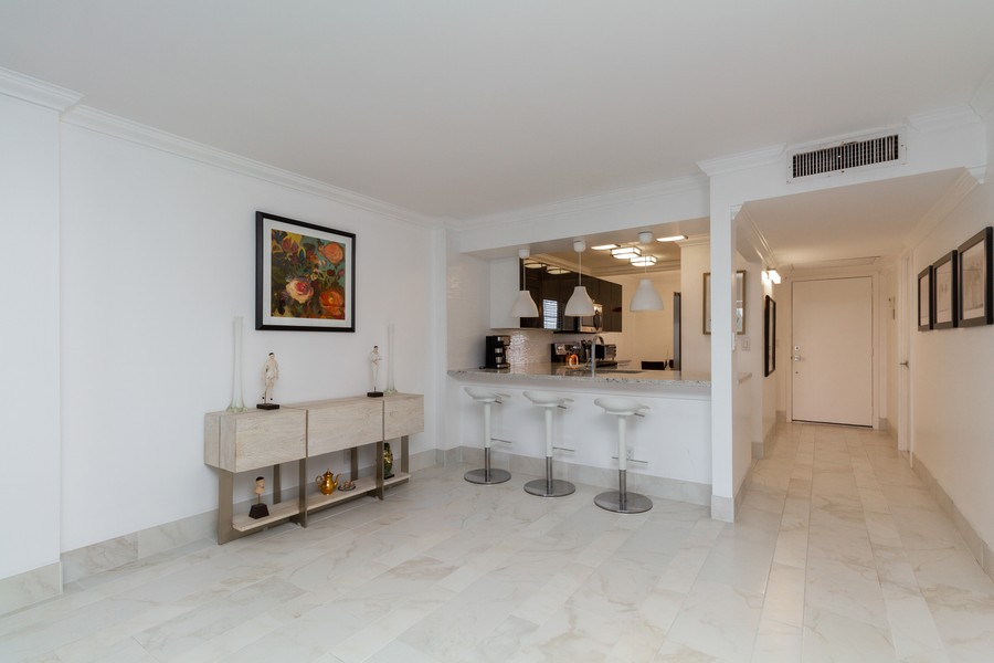 Real Estate Photography - 14 Royal Palm Way #501, Boca Raton, FL, 33432 - Dining Room