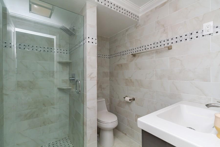 Real Estate Photography - 14 Royal Palm Way #501, Boca Raton, FL, 33432 - 2nd Bathroom