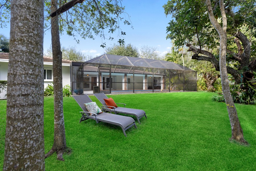 Real Estate Photography - 13205 SW 71 Avenue, Pinecrest, FL, 33156 - Back Yard