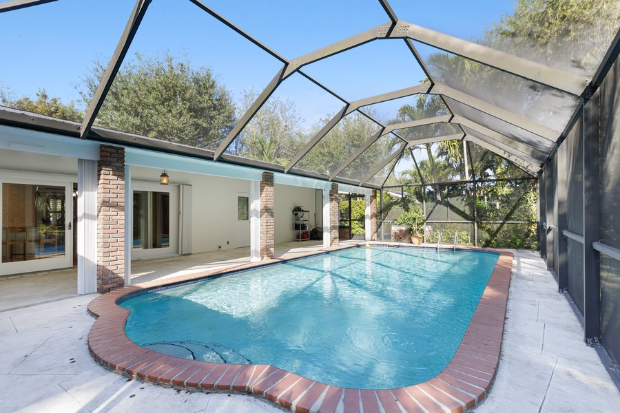 Real Estate Photography - 13205 SW 71 Avenue, Pinecrest, FL, 33156 - Pool