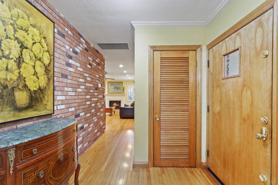 Real Estate Photography - 13205 SW 71 Avenue, Pinecrest, FL, 33156 - Foyer