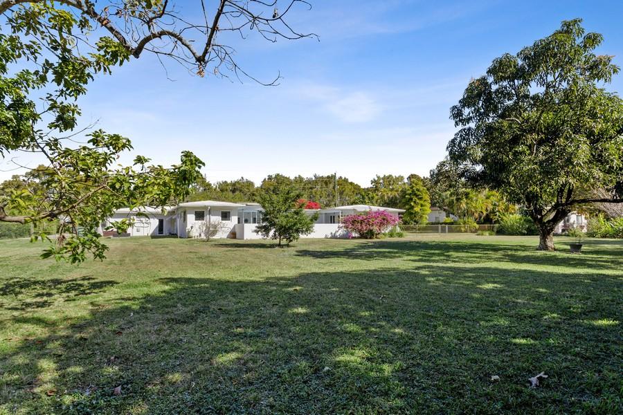 Real Estate Photography - 7800 SW 112 Street, Pinecrest, FL, 33156 - Back Yard