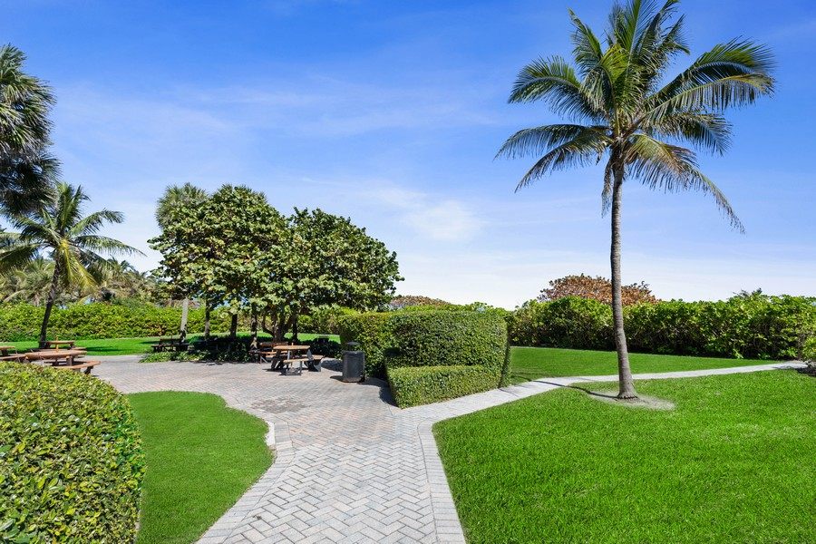 Real Estate Photography - 8777 Collins Ave #606, Surfside, FL, 33154 - Beach