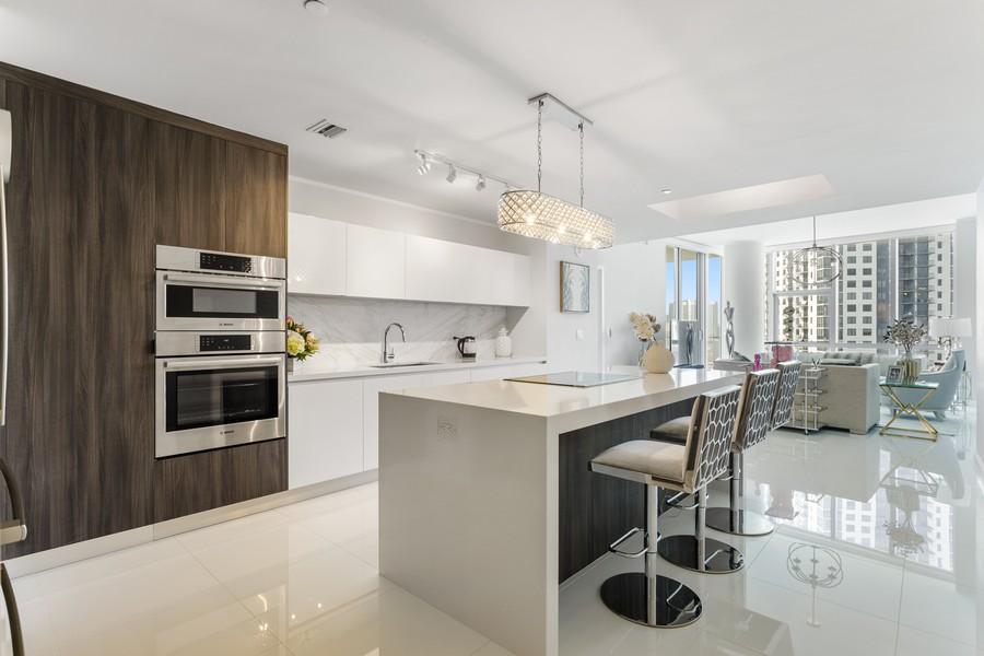 Real Estate Photography - 851 NE 1ST STREET #1611, Miami, FL, 33132 - Kitchen