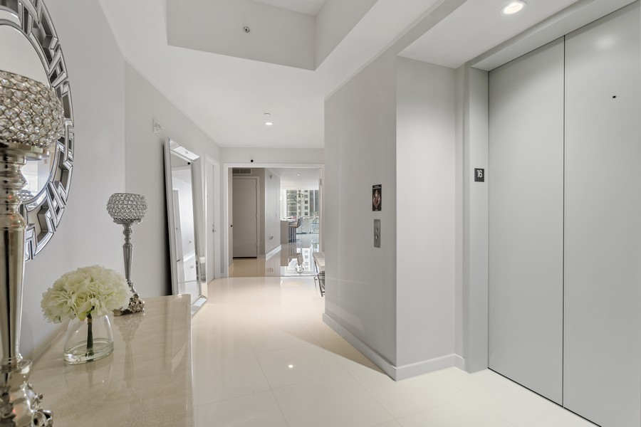 Real Estate Photography - 851 NE 1ST STREET #1611, Miami, FL, 33132 - Foyer